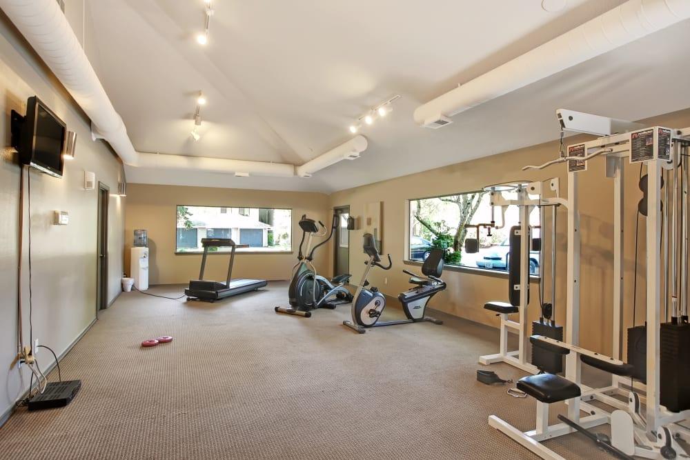 Fitness center at Jasper Place in Beaverton, OR