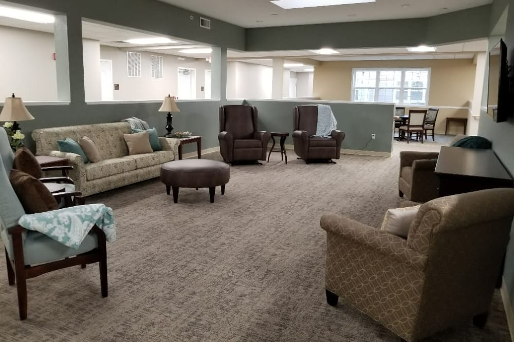 Tv room at Serenity in East Peoria, Illinois