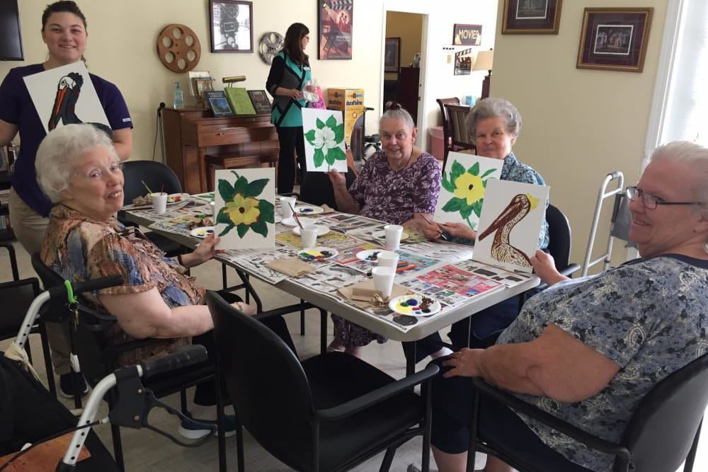 Arts and crafts at Azalea Estates of Monroe in Monroe, LA