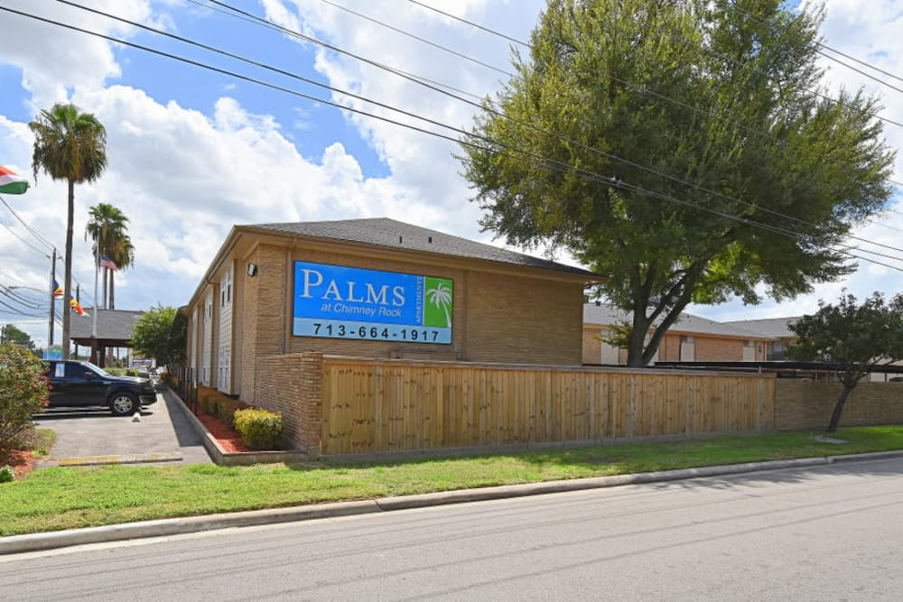 Palms at Chimney Rock Apartments street view in Houston, TX