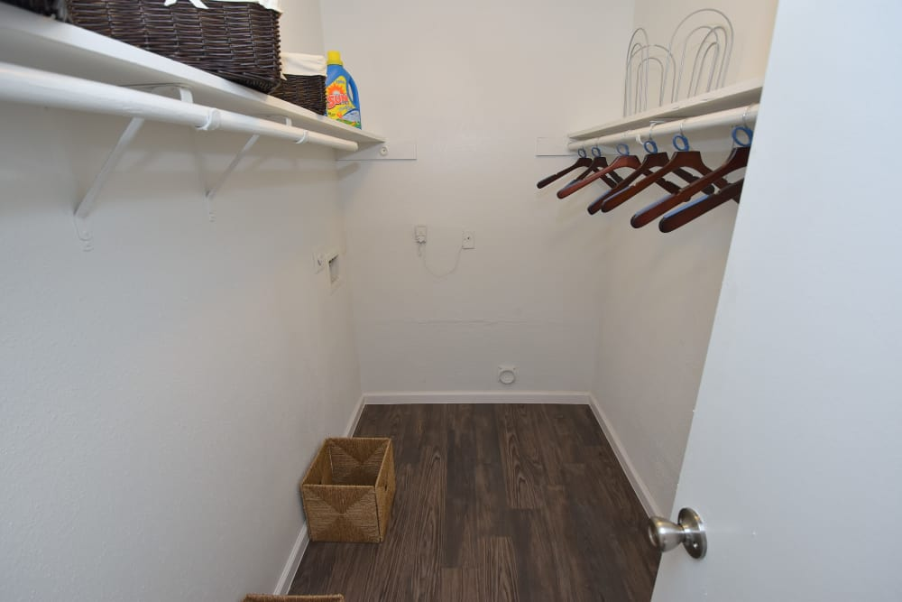 Park at Deerbrook Apartments offers spacious walk-in closets in Humble, Texas
