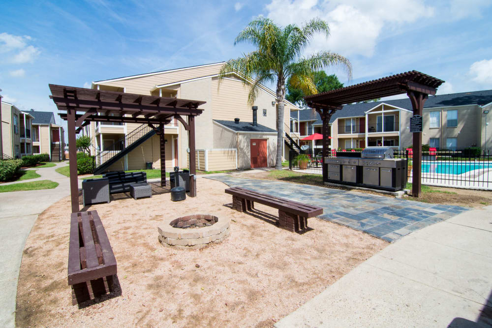 Firepit area at Bender Hollow Apartments