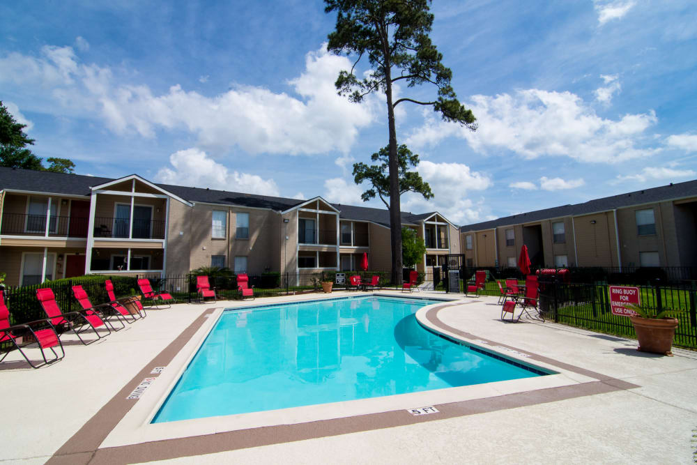 Sparkling pool at Bender Hollow Apartments in Humble, Texas