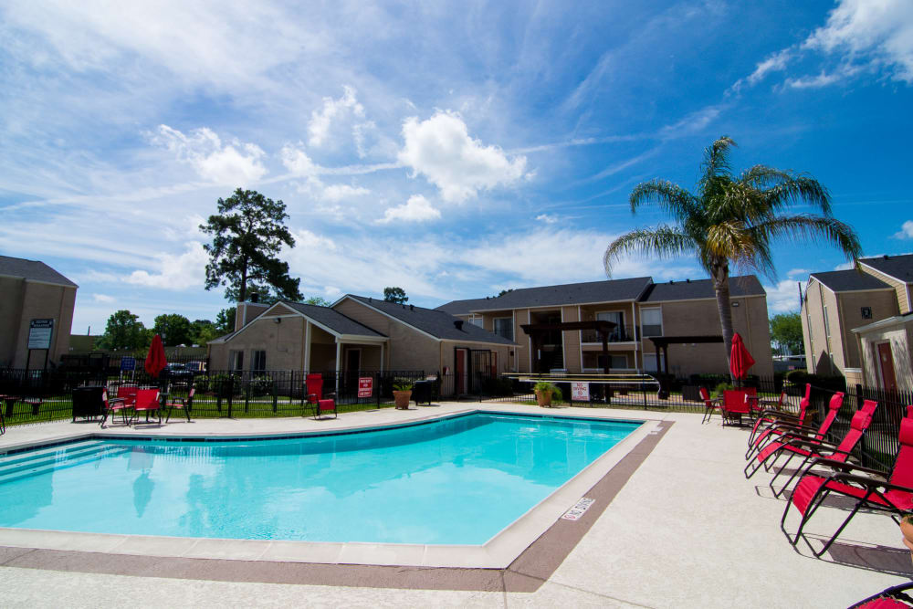 Swimming pool at Bender Hollow Apartments in Humble, Texas