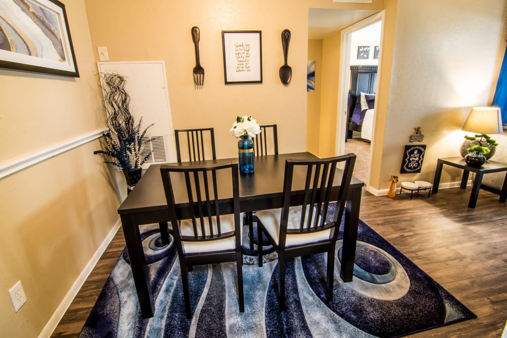 Dining room at Bender Hollow Apartments in Humble, TX