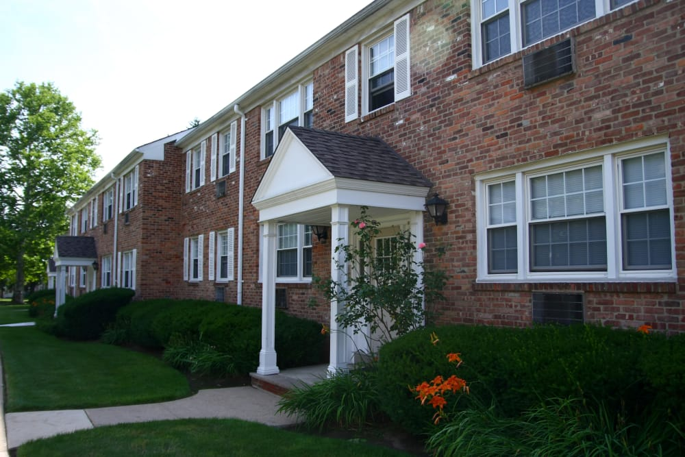 Jackson House Apartments offers residents with wonderful landscaping