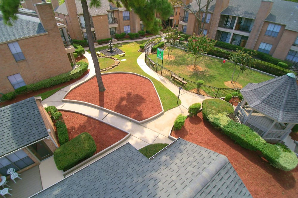 Aerial view of the courtyard at Deerbrook Garden Apartments in Humble, TX