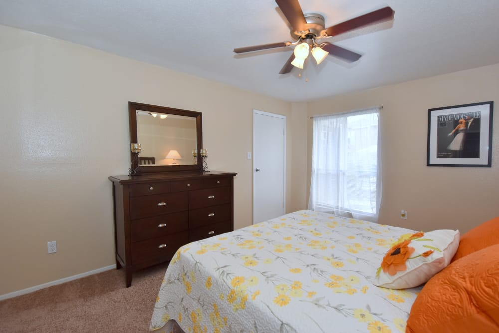 Deerbrook Garden Apartments bedroom in Humble, Texas
