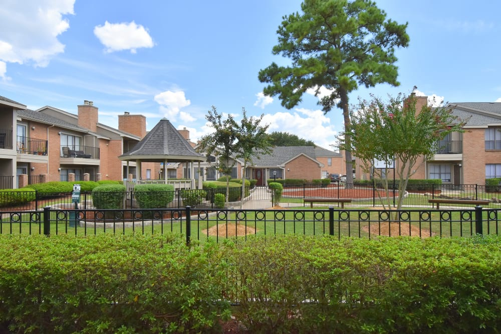Spacious courtyard at Deerbrook Garden Apartments in Humble, Texas