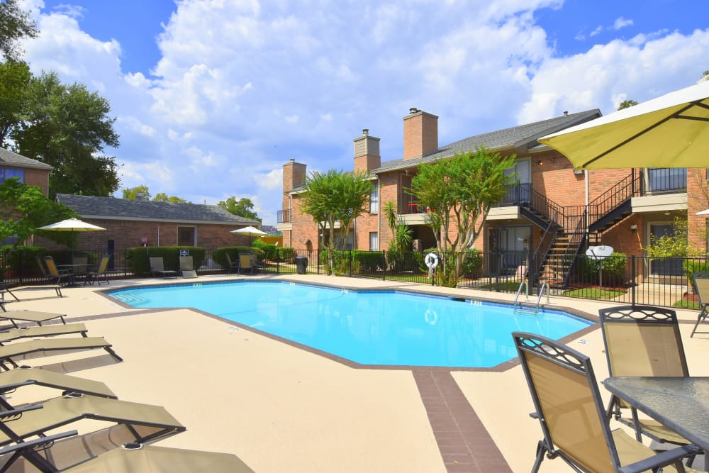 Apartments in Humble, Texas with a swimming pool