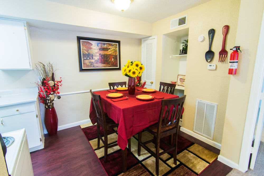 Apartments with a dining room in Humble, Texas