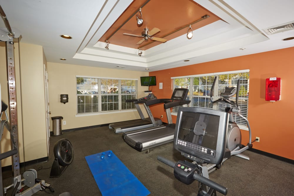 Stay healthy in the Middletown Brooke Apartment Homes fitness center