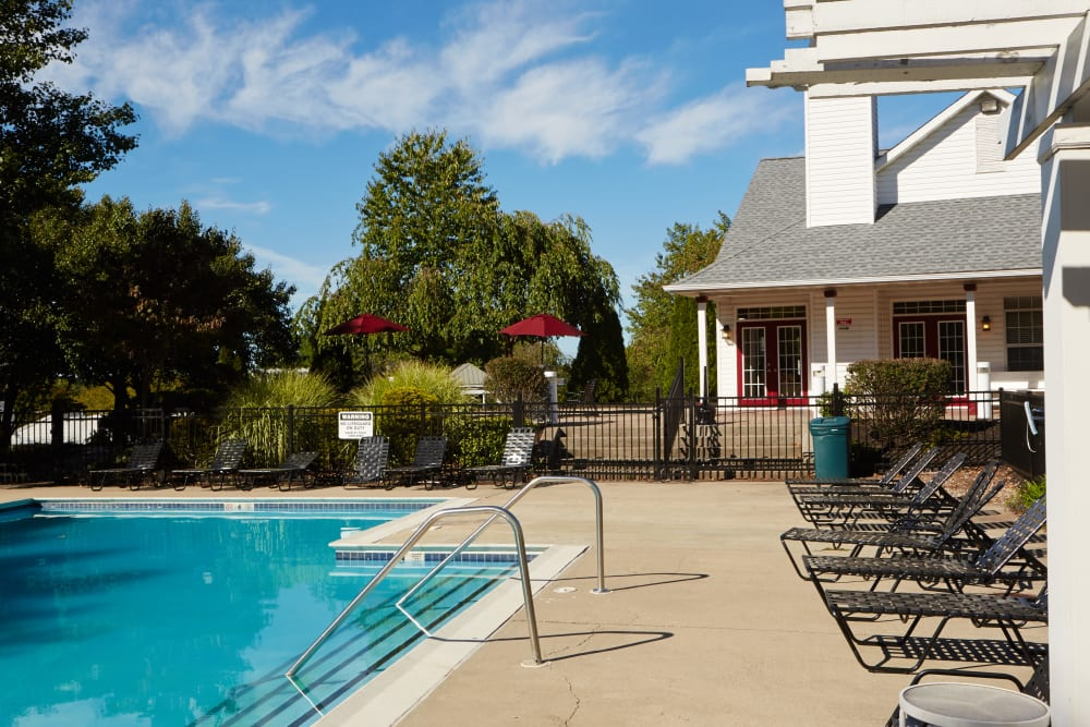 Middletown Brooke Apartment Homes poolside in Middletown, Connecticut