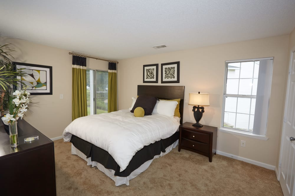 Cozy bedroom at Middletown Ridge Apartments in Middletown