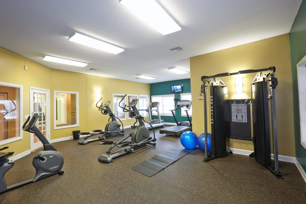 Stay healhty in the Middletown Ridge Apartments fitness center