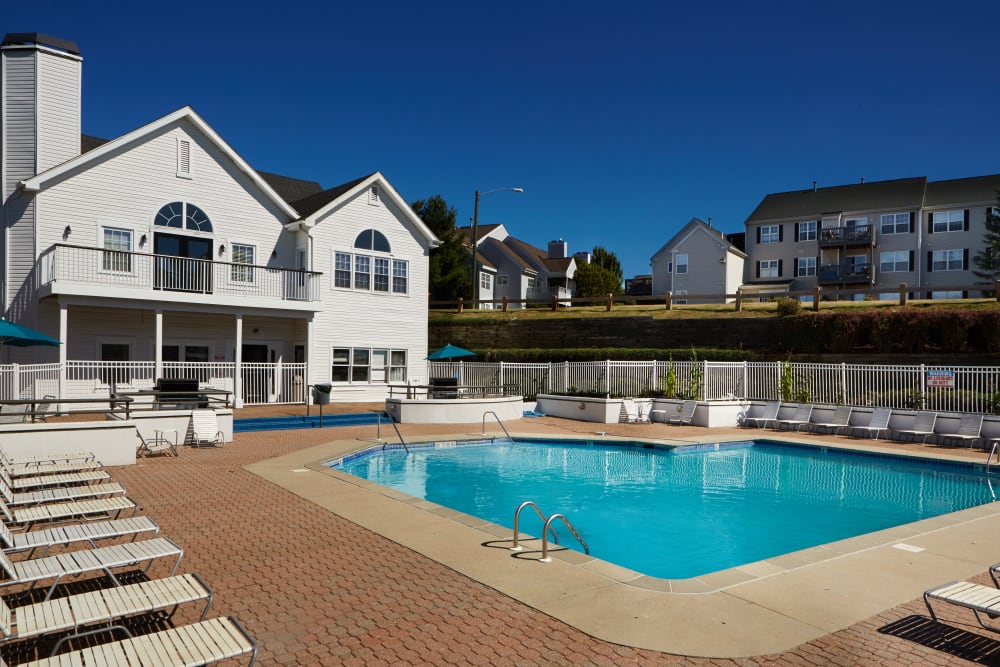 Sundeck and refreshing pool at Middletown Ridge Apartments