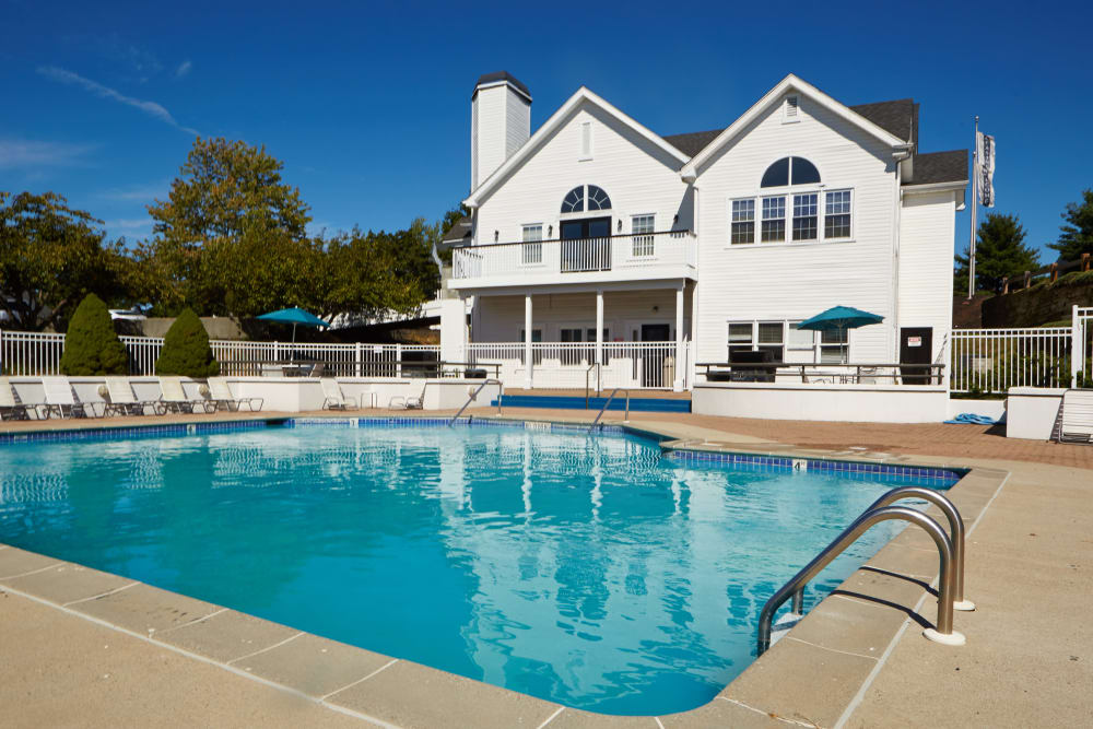 Middletown Ridge Apartments offers a swimming pool in Middletown