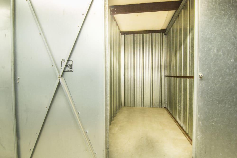 Prime Storage interior unit in Lansing, MI