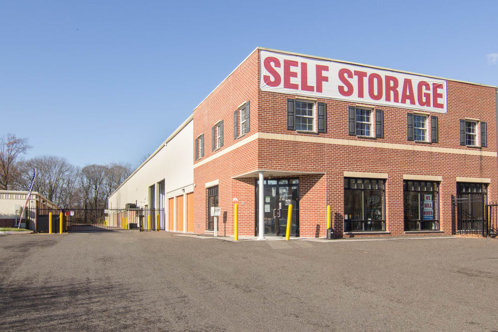 Exterior view of our Prime Storage building in Bordentown, NJ