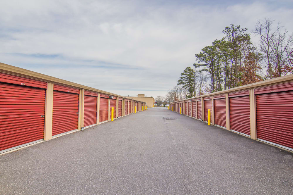 Prime Storage in Egg Harbor Township, NJ has wide driveways