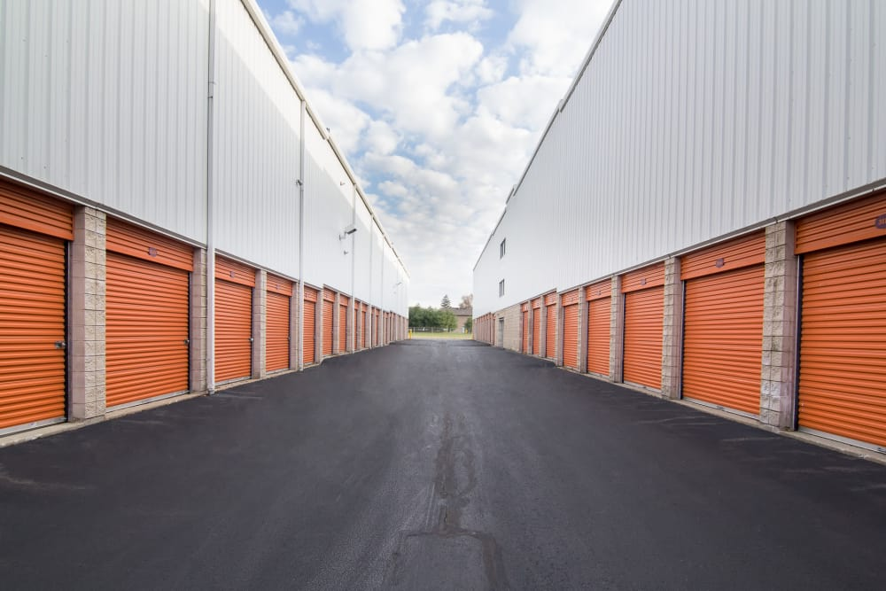 Prime Storage in North Brunswick Township, NJ has wide driveways