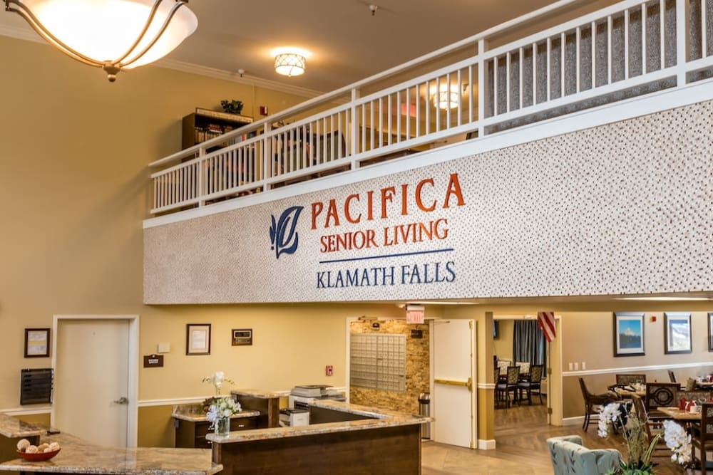 Spacious reception area at Pacifica Senior Living Klamath Falls in Klamath Falls, Oregon