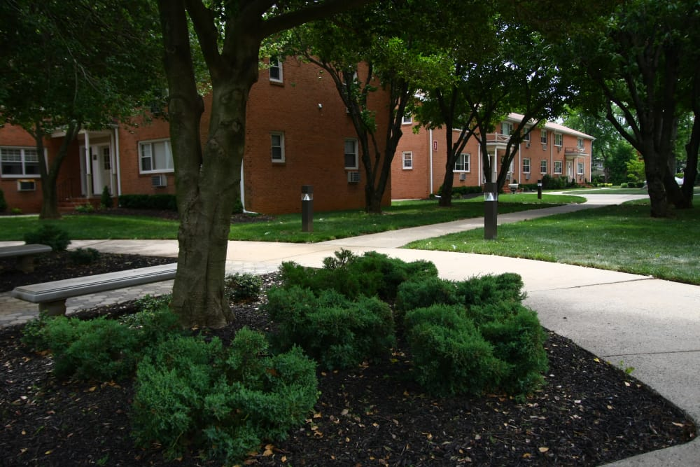 Riverwood Commons has lots of sidewalks for resident convenience