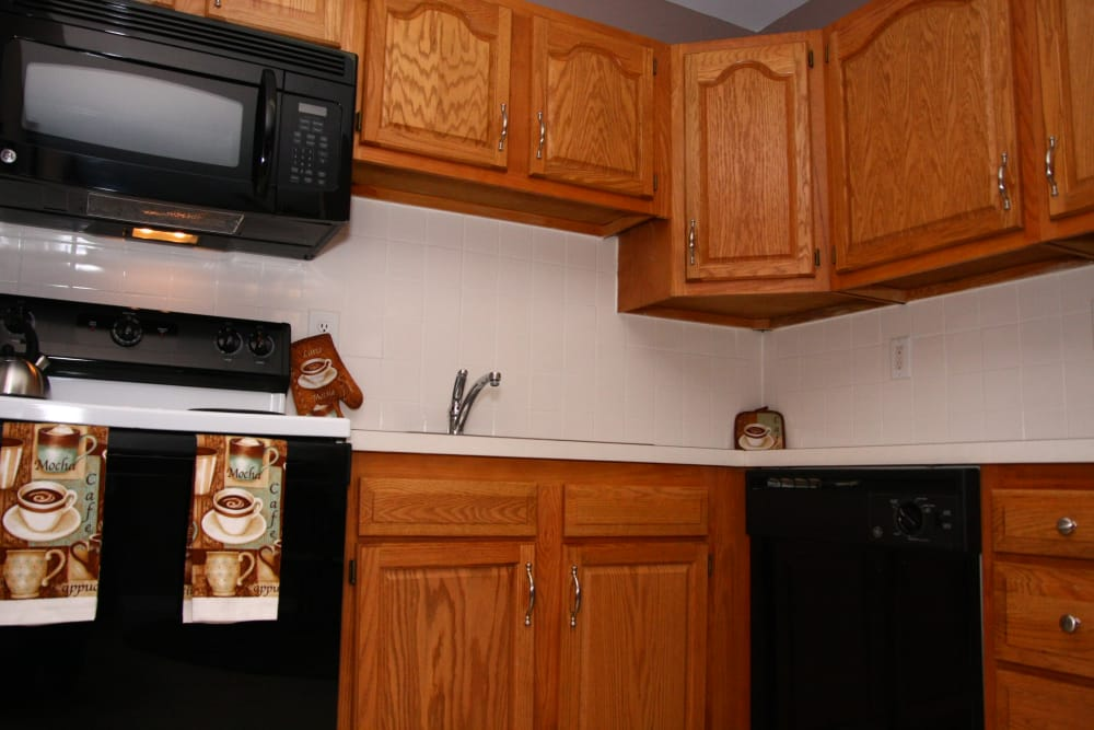 Pointe Breeze Apartments offers a unique kitchen in Bordentown, New Jersey