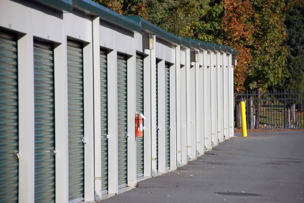Anchor Lake Wylie in Lake Wylie, South Carolina exterior storage units