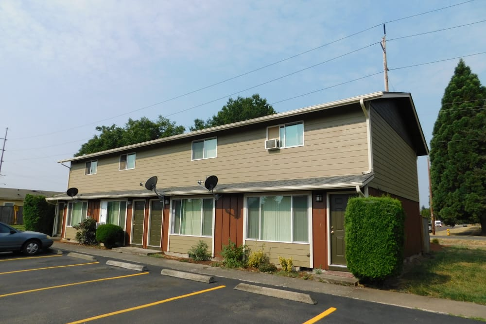 Exterior view of our apartments at Oakwood Terrace in Lebanon, Oregon