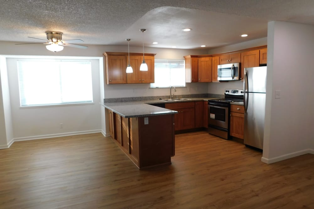 Spacious kitchen at Oaktree in Vancouver, WA