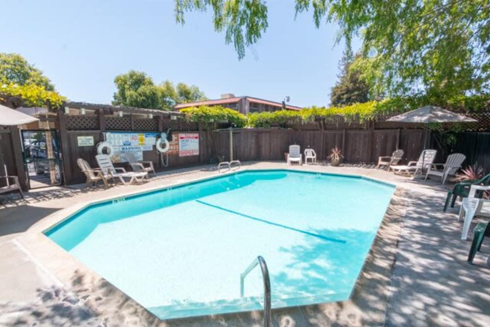Beautiful pool area in Parkview in Concord, California