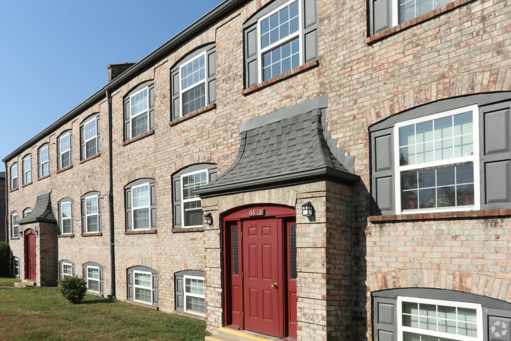 A wonderful red accent door at King Solomon Apartments