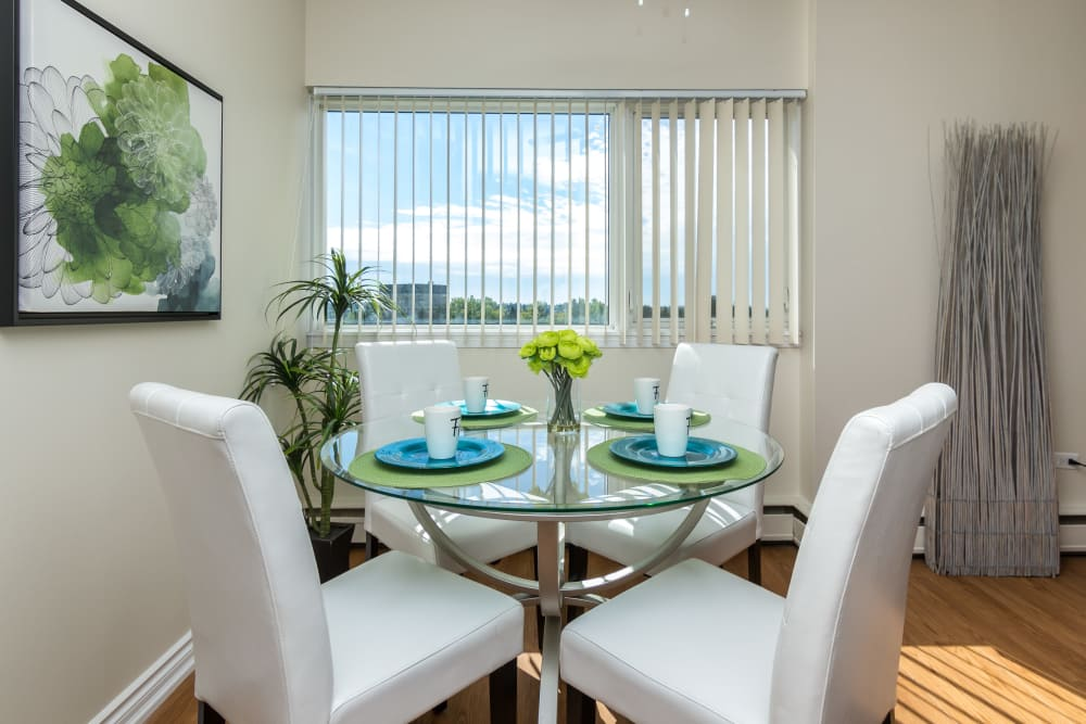 Dining area at Glenmore Heights