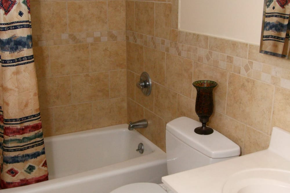 Pompton Gardens bathroom model
