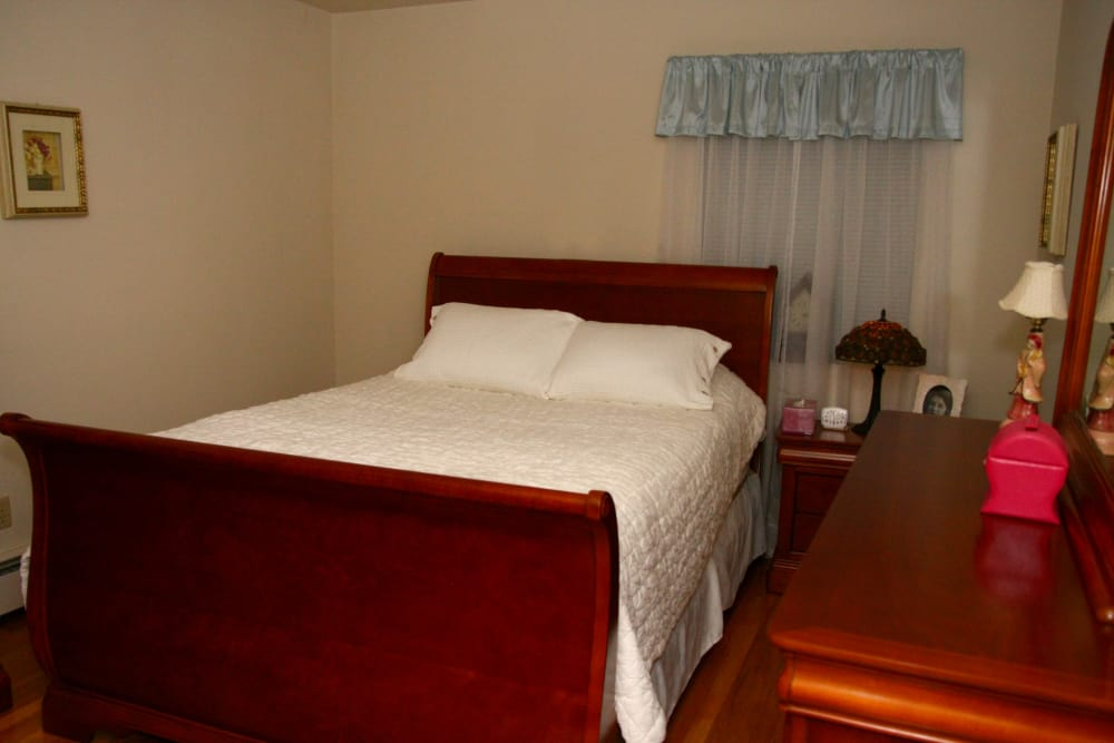 Master bedroom at Pompton Gardens