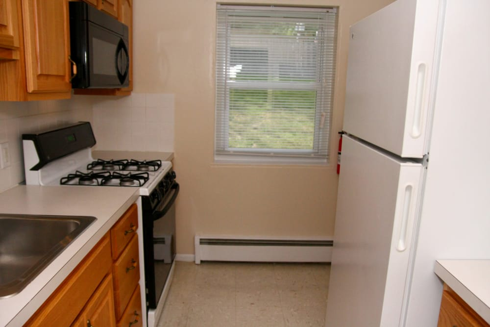 Kitchen at Pompton Gardens