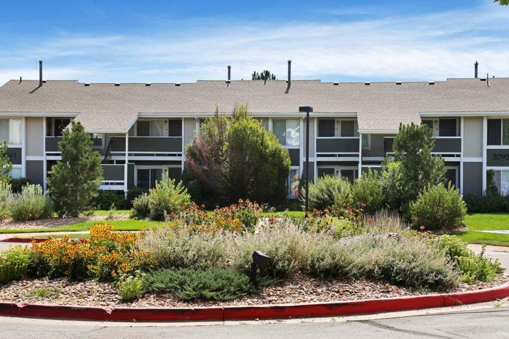 Exterior of Broadmoor Ridge Apartment Homes in Colorado Springs, Colorado