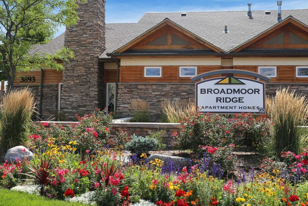 Entry Sign at Broadmoor Ridge Apartment Homes in Colorado Springs, Colorado