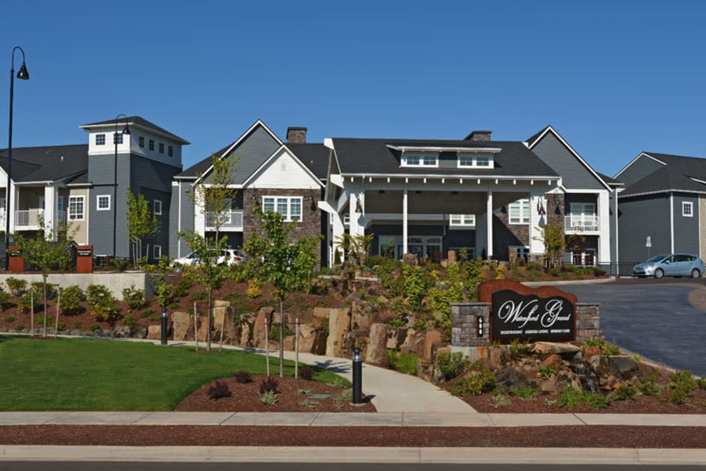 Exterior of Waterford Grand in Eugene, OR
