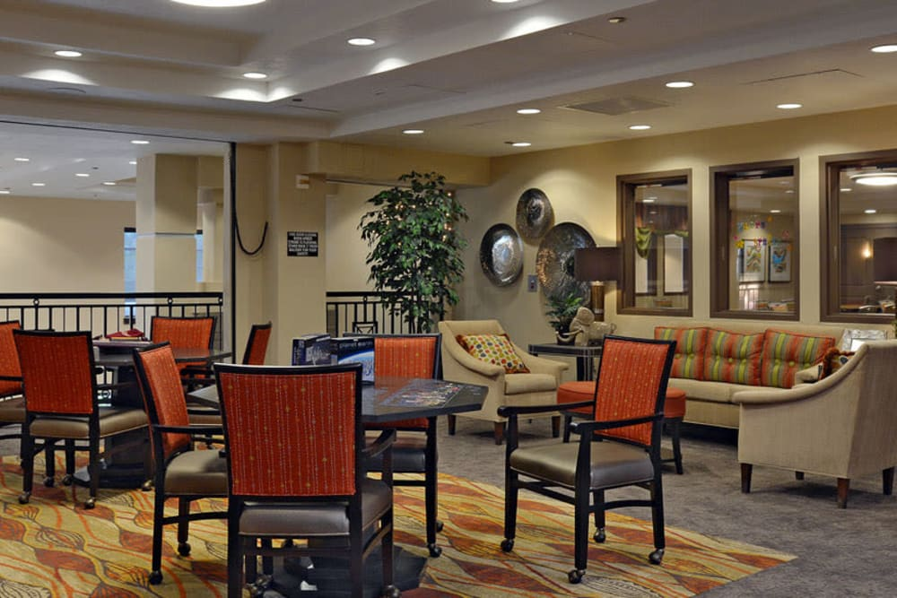 Lounge area at Waterford Grand in Eugene, OR