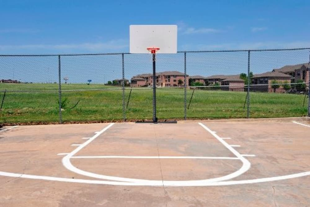 Basketball court at Ballantyne Apartments in Lewisville, Texas