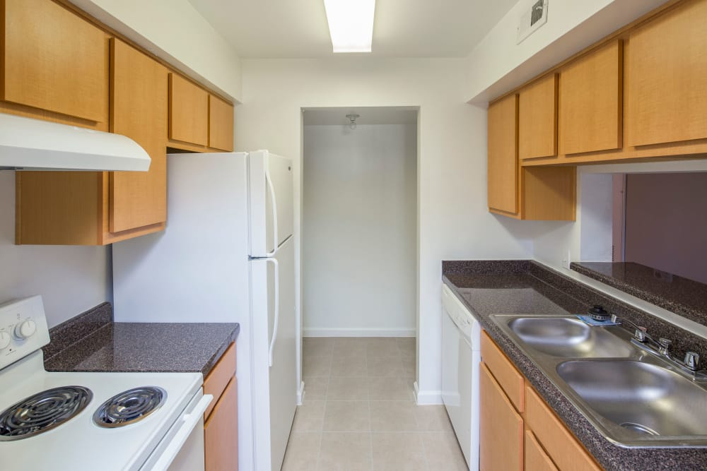 unfurnished kitchen at Morgan Bay in Houston, Texas
