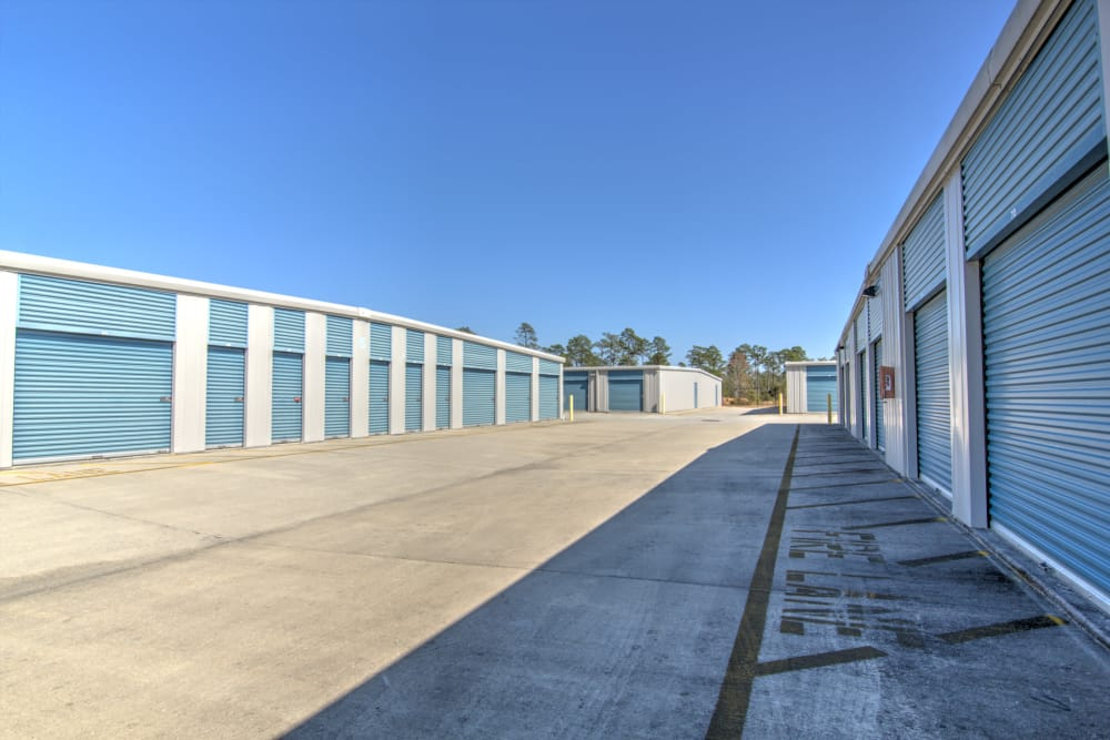 Wide driveways at Prime Storage in Bolivia, North Carolina