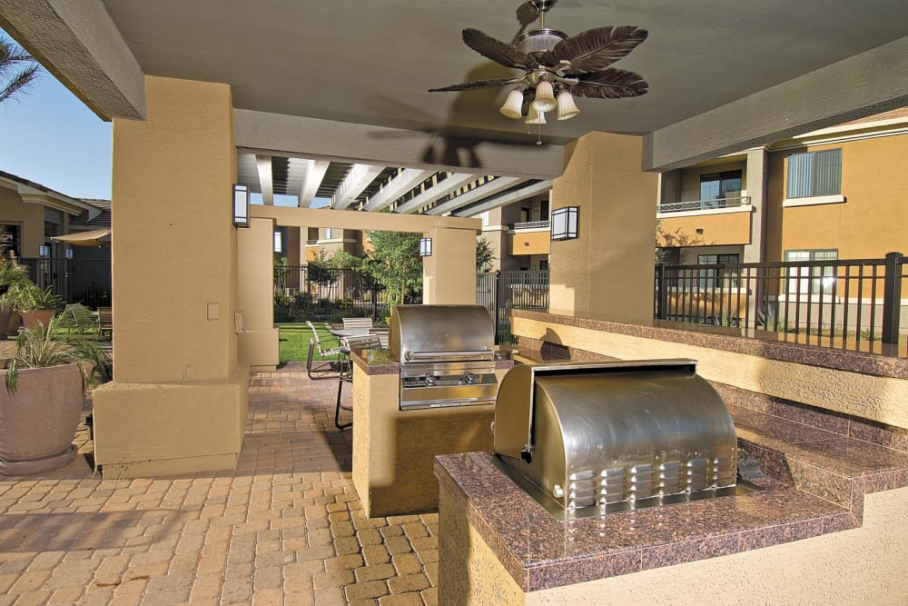 Our apartments in Phoenix, Arizona have a state-of-the-art bbq area