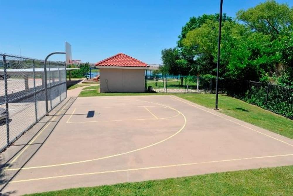 Basketball court at Crescent Cove at Lakepointe in Lewisville, Texas