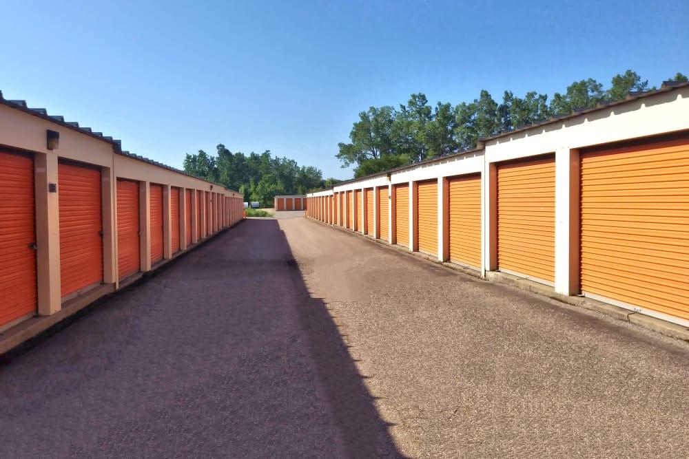 Wide driveways at Prime Storage in Lansing, Michigan