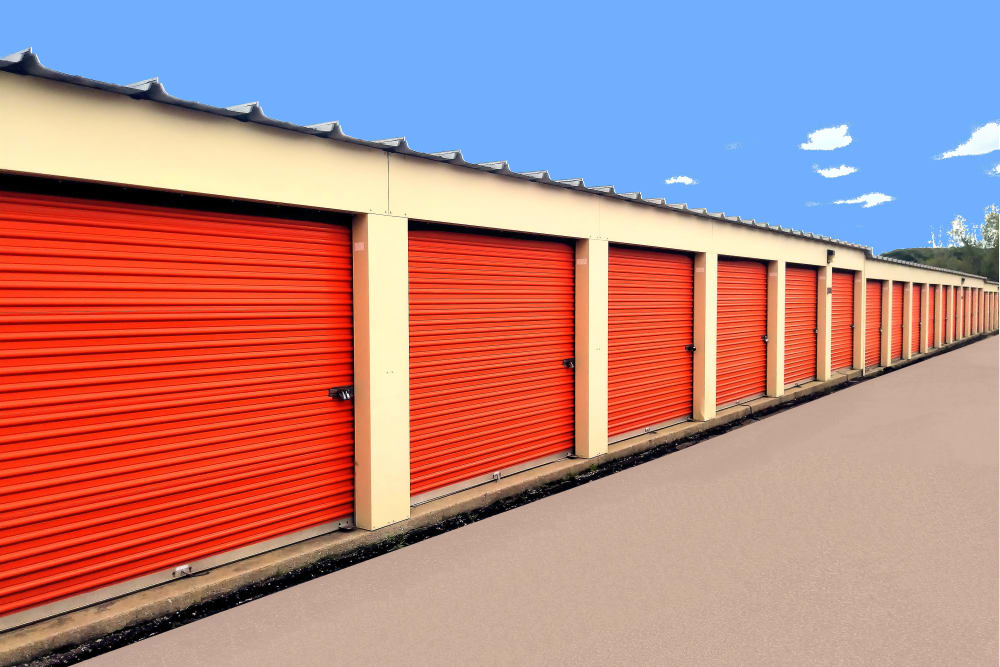 Prime Storage offers outdoor units in Lansing, Michigan