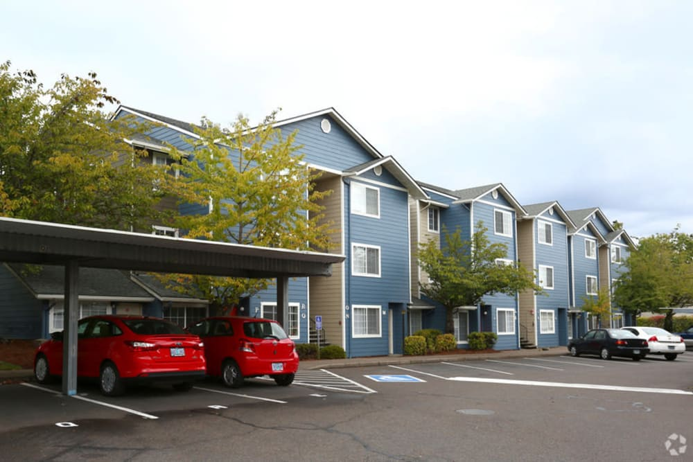 Front view apartments in Corvallis, Oregon