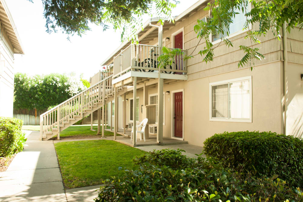 Beautiful Apartments at Sunset Village in West Sacramento, California